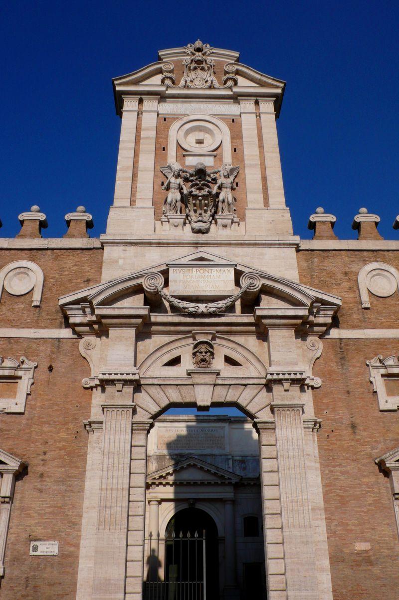 09-porta-pia-in-rome